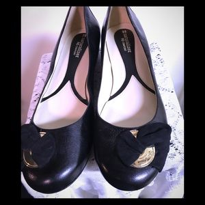 GORGEOUS NATURALIZER BLACK FLATS